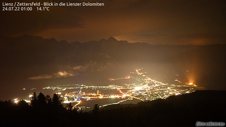http://www.foto-webcam.eu/webcam/lienz/current/720