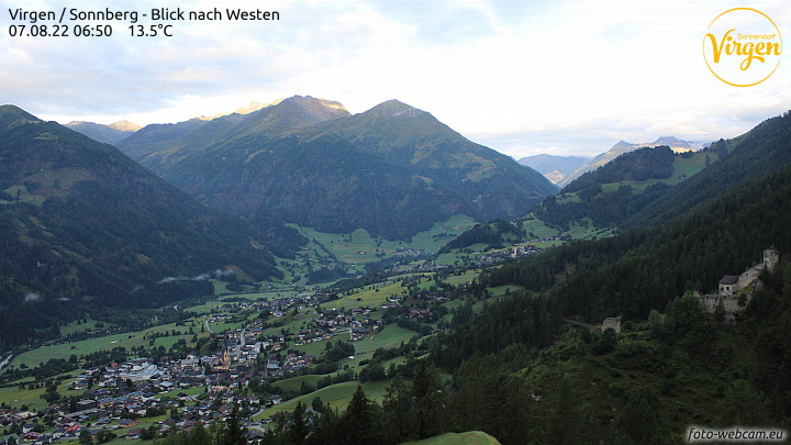 http://www.foto-webcam.eu/webcam/virgen-west/current/720