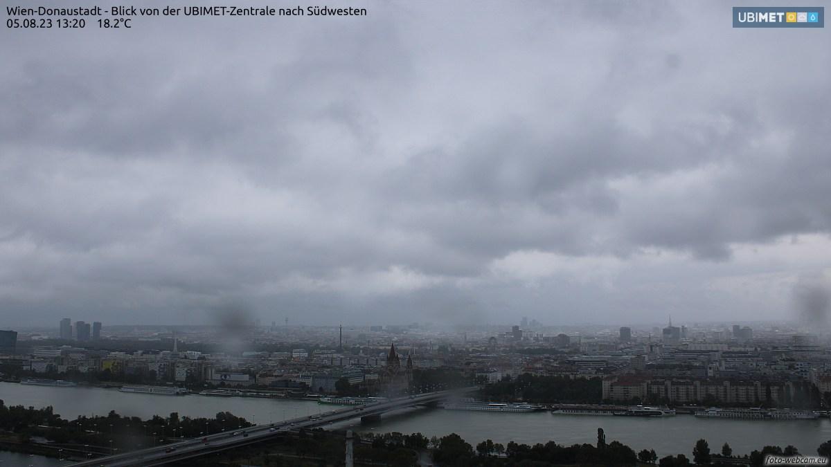 Irgend etwas stimmt nicht. Hier sollte ein Livebild Donaustadt schwenk über Wien Zentrum sein.