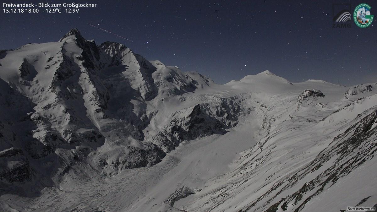 https://www.foto-webcam.eu/webcam/freiwandeck/2018/12/15/1800_lm.jpg