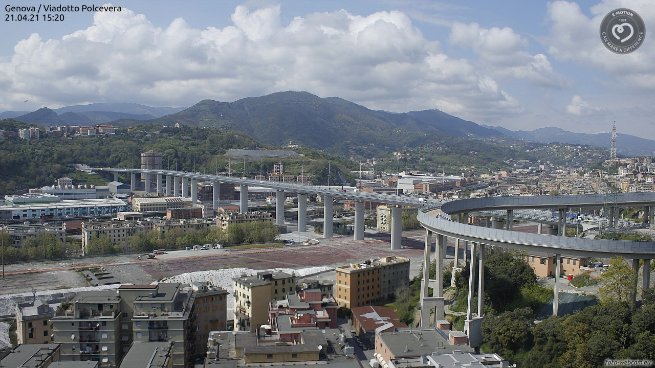 Webcam Genoa - View of the Morandi-Bridge 63 m    • Genoa