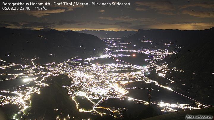 Webcam Hochmuth - Blick Richtung Süden ins Etschtal   foto-webcam.eu