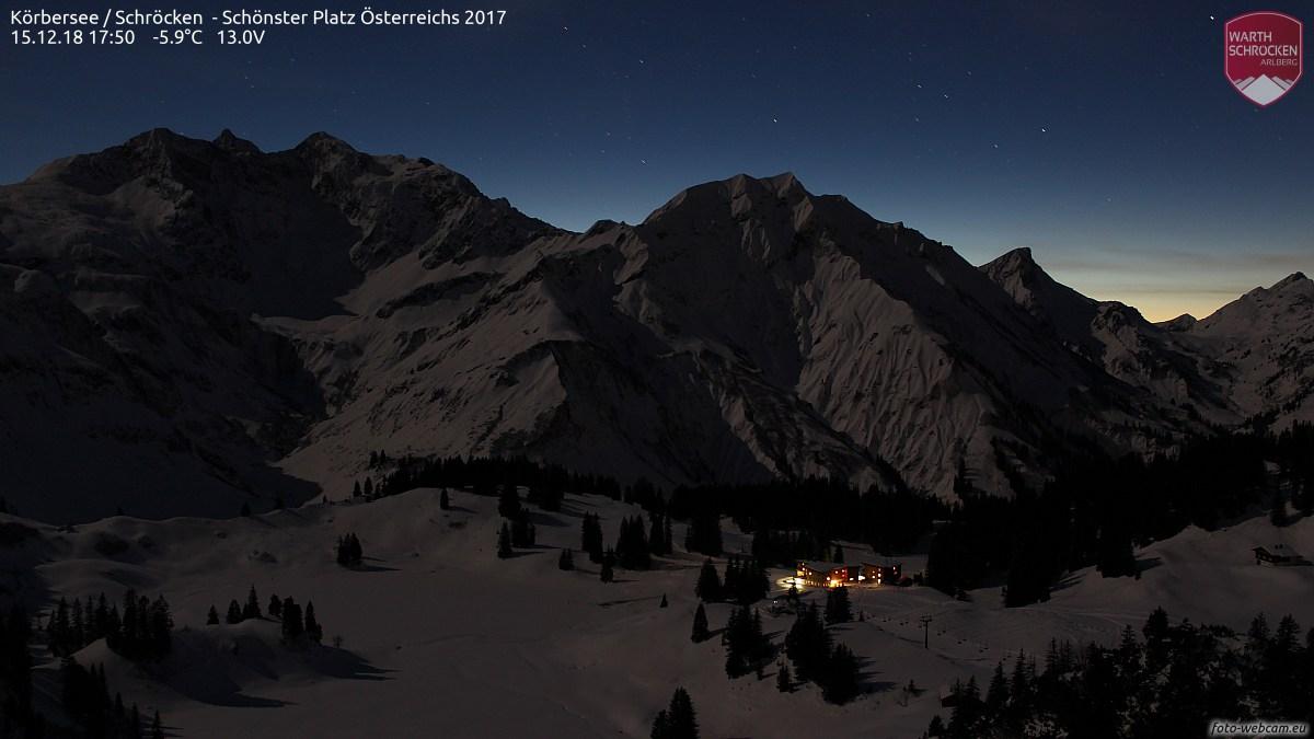 https://www.foto-webcam.eu/webcam/koerbersee/2018/12/15/1750_lm.jpg