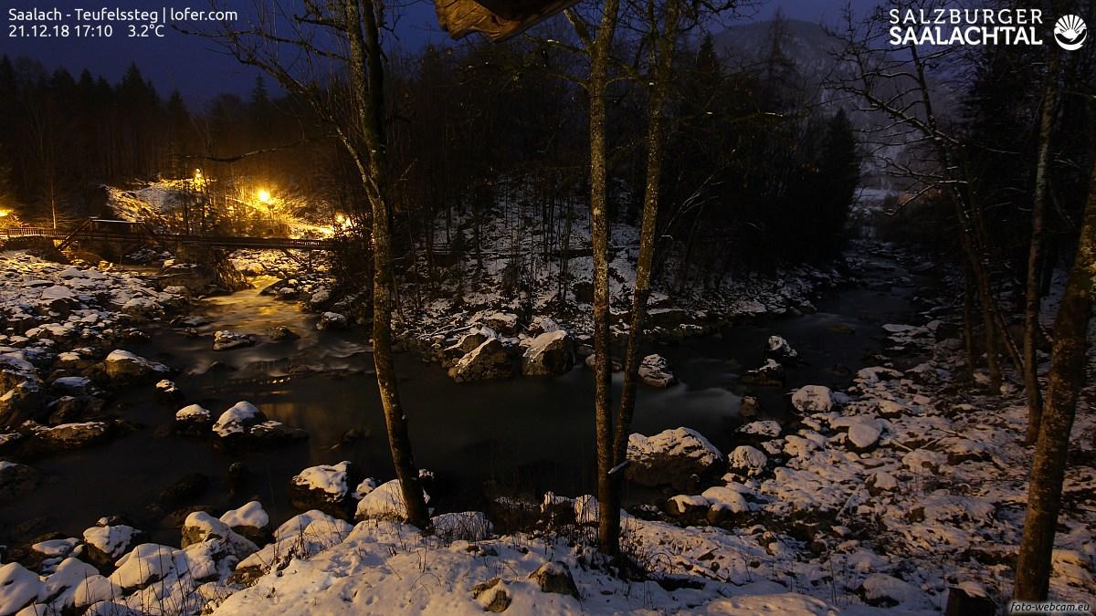 https://www.foto-webcam.eu/webcam/lofer/2018/12/21/1710_lm.jpg