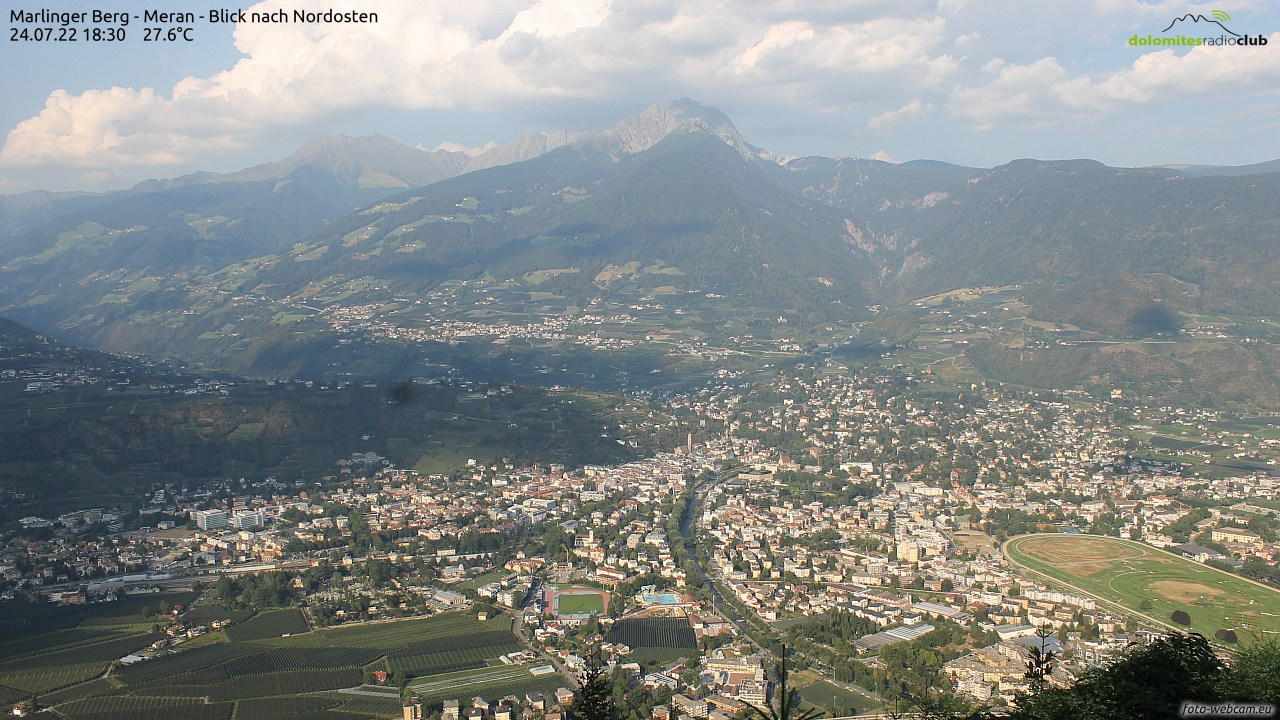 https://www.foto-webcam.eu/webcam/meran/current/1280.jpg