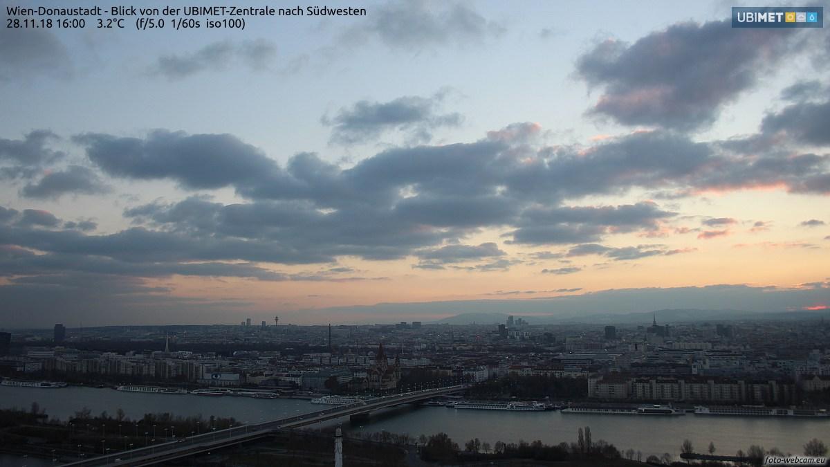 https://www.foto-webcam.eu/webcam/wien/2018/11/28/1600_lm.jpg