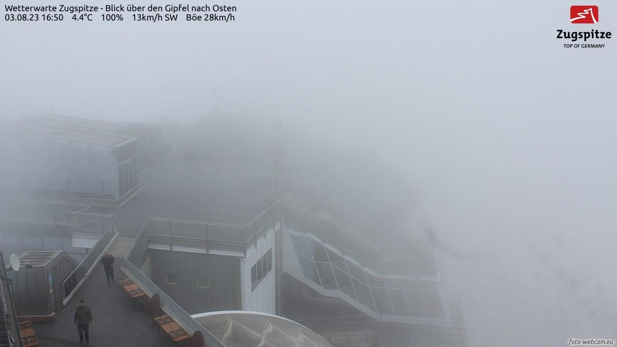 Wetterwarte Zugspitze/Gipfel nach Osten